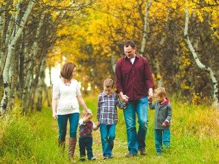 https://wisdomtreatment.com/wp-content/uploads/2020/07/healthy-lifestyle-family-fall-lifestyle-mountains-together-320x240.jpg